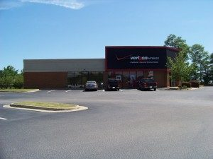 1499 S. College Street, Auburn, AL Size: 3,400 SF Unit Representation: Landlord & Tenant – Renewal Date: 9/4/2013 Agent: Donna Thomas